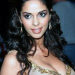 Mallika_Sherawat_Hot_Picture_01