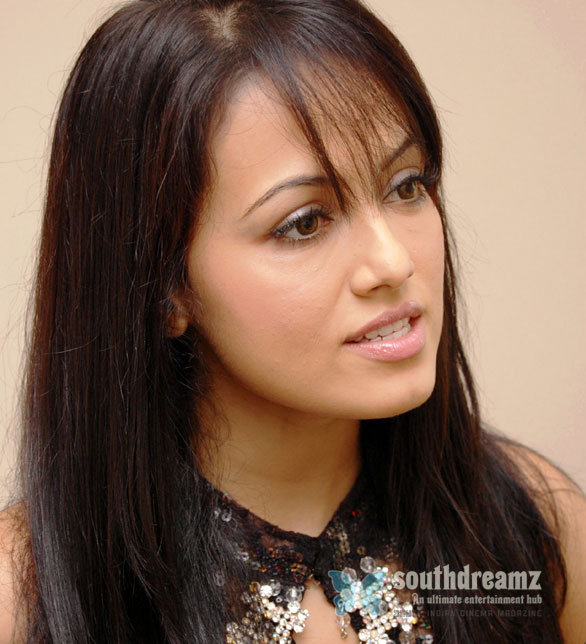 Sana Khan Stills 001 Sana Khans new avatar in Payanam