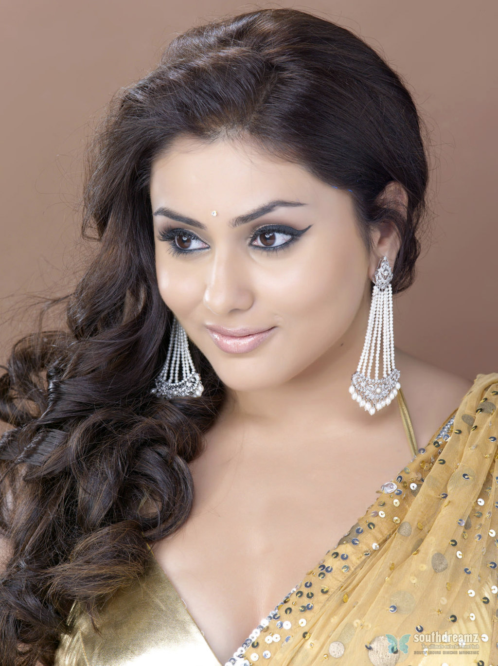 namitha hot saree wallpapers Namitha to bounce back in new avatar