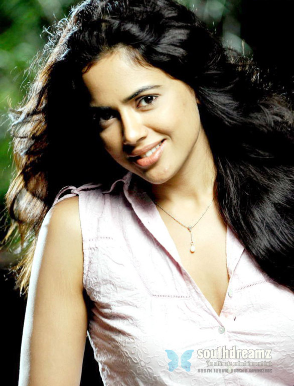Nadunisi Naigal sameera reddy Sameera Reddy wants to be a call girl and lesbian