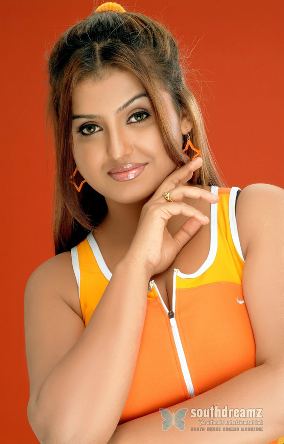 Tamil masala Actress Sona Heiden Photos 0048 Sona Heiden will be producing a film based on her life
