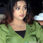 Vijay invites Meena to act in sister's role?