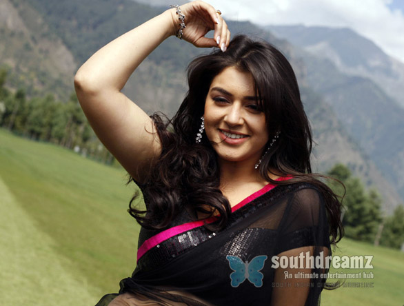 Velayutham hot vijay hansika motwani stills 3 Velayudham is no super hero movie
