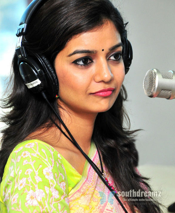 colors swathi cute saree stills photos 04 Poraali music review