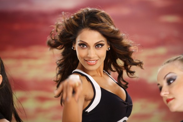 bipasha basu 586x390 Beauty is not skin deep, asserts Bipasha Basu