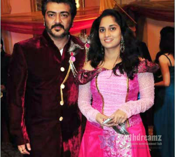 Ajith Shalini at Sidney Birthday Ajith   Shalini celebrate anniversary