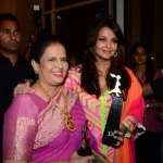 Aishwarya-Rai-Bachchan-with-mom-Vrinda-Rai-at-LOreal-Paris-F
