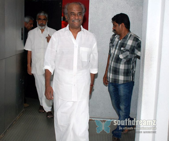 superstar Rajnikanth Watches Vazhakku En 18 9 pics Superstar Rajnikanths Vazhakku Enn 18/9 and Kamal Hassans OKOK
