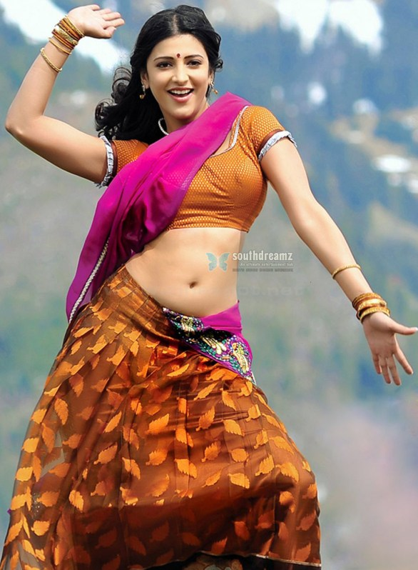 Sruthi Hassan Navel In Saree In Gabbar Singh 586x798 The Gabbar Singh effect