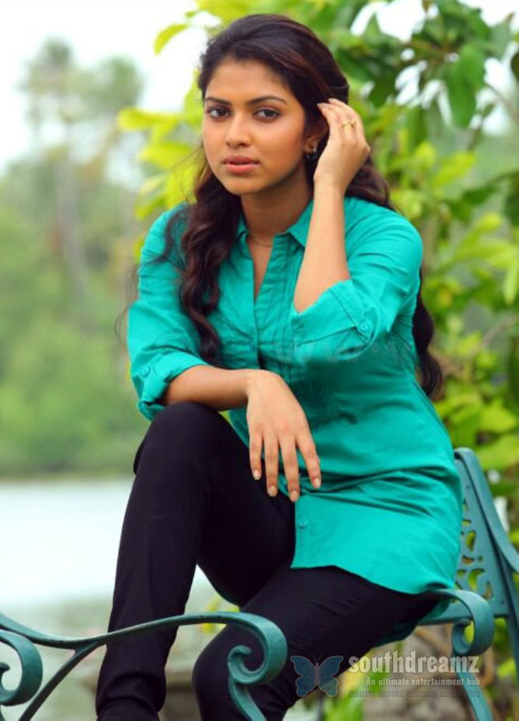 amala paul hot photo shoot Double delight for Samuthirakani