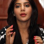 Samantha's absence strengthens affair talk