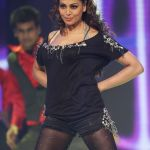 actress-Bipasha-Basu-Hot-Dance-at-CCL-Photo