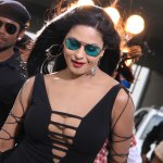 Veena Malik admits being Single but not Virgin