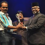 Dr Shankar gets Edison Best Online Journo award 2013!