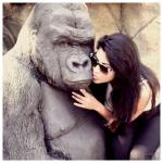 Dusky Beauty's Lip Kiss to King Kong