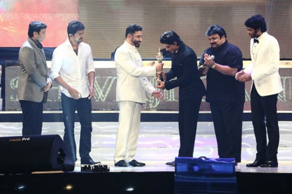 vijay awards 2013 photos stills 1 586x390 Vijay Awards 2013   Hits, Misses & Highlights