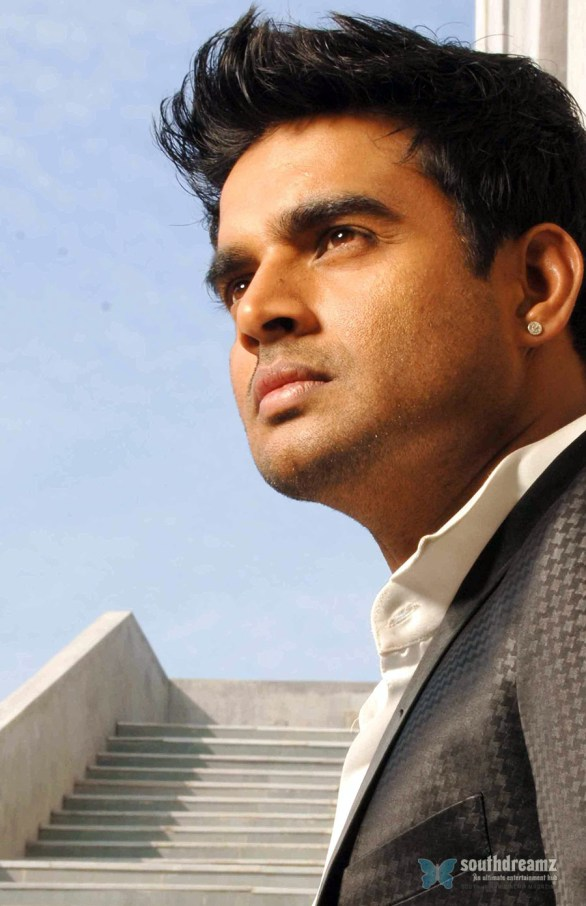 R Madhavan photo 586x906 Happy Birthday, Madhavan!