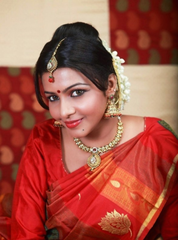 kadhal saranya hot photoshoot stills 01 586x789 Kadhal Saranya Hot Photo Shoot