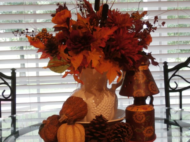 fall table arrangement, a favorite on Southern Living with Chris