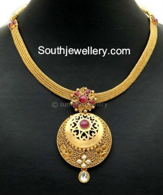 The gallery for beautiful simple gold necklace designs for Simple gold ornaments