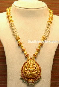 Lakshmi Necklace with pearls - Jewellery Designs