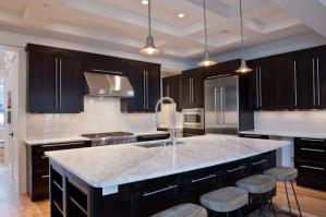 Luxury Pick - 123 E Kingston Rd 4
