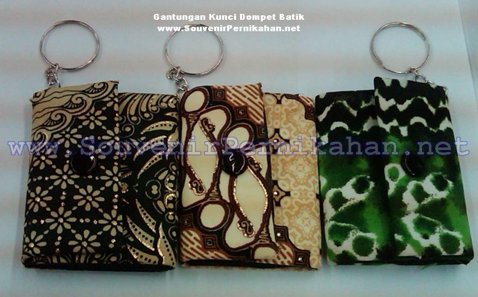 Detil Dan Harga Souvenir Gantungan Kunci Dompet Batik
