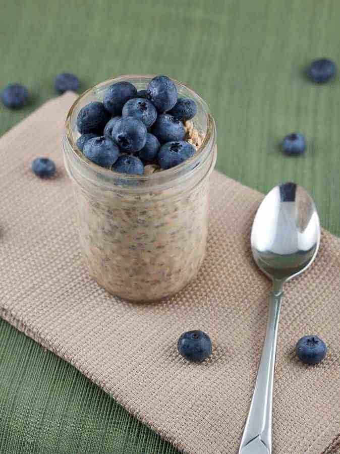 Peanut Butter & Blueberry Overnight Oats : So Very Blessed - Take 5 minutes to prep these the night before and you have a healthy and delicious breakfast waiting for you on busy weekday mornings!
