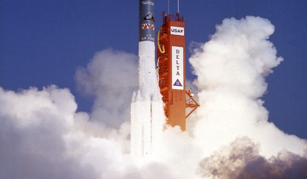 Launch of ROSAT on top of a Mcdonnell Douglas Delta II on June 1, 1990 (Credits: NASA).