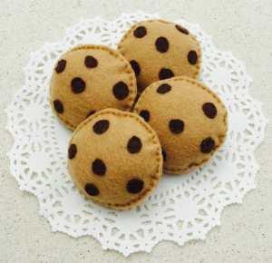 Chocolate chip felt cookies