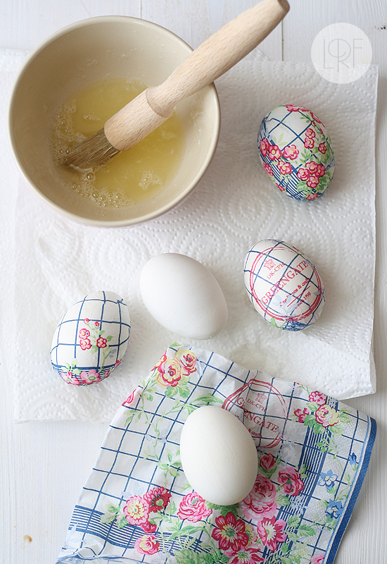 7 beautiful ways to decorate Easter eggs. These beautifully decorated Easter egg projects can be enjoyed with special needs learners too! | speciallearninghouse.com
