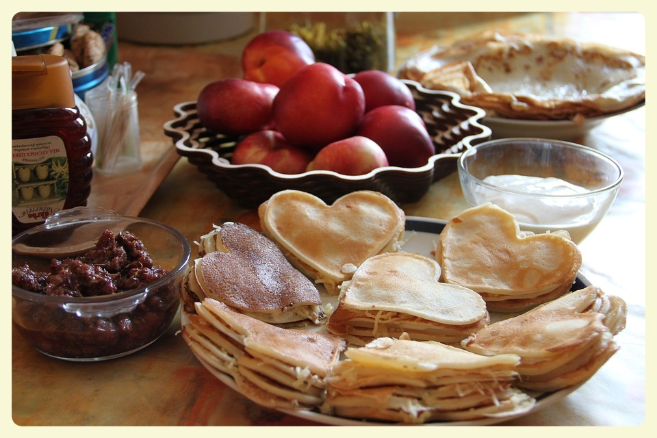 Family breakfast for dinner. Featured by Special Learning House. www.speciallearninghouse.com..jpg