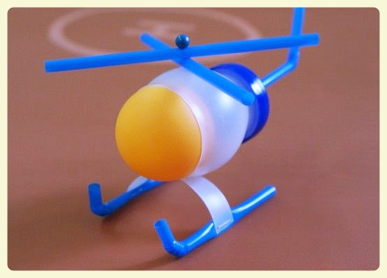 Plastic bottle & straws helicopter. Featured by Special Learning House. www.speciallearninghouse.com.