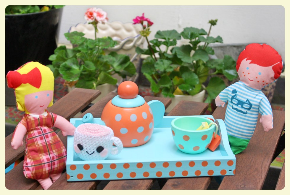 Tea time. CUTE KITSCH TEACUP. Featured by Special Learning House. www.speciallearninghouse.com..jpg