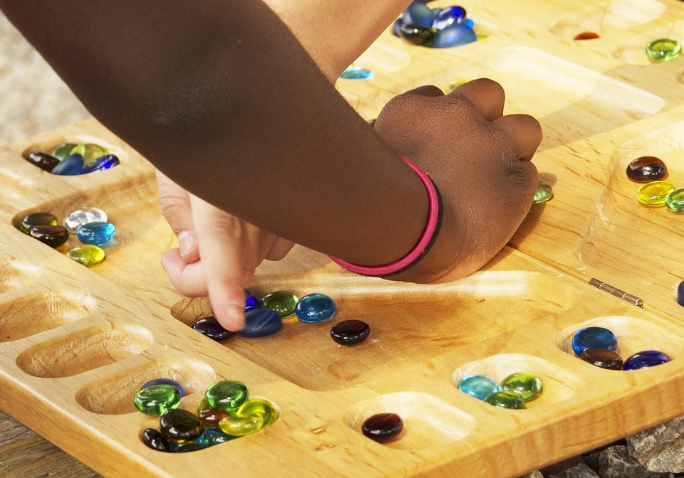 8 Tips for Enjoying a Board Game with an Autistic Child. | speciallearninghouse.com