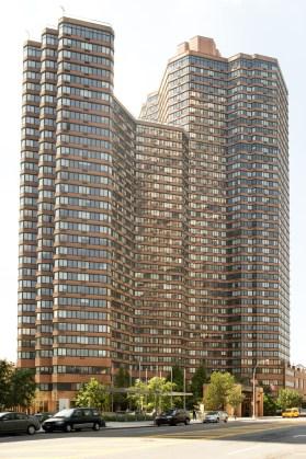 River Place 921 units