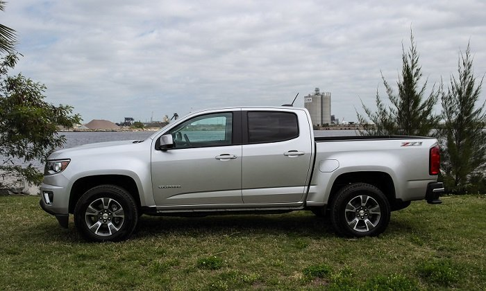 driven 2015 chevy colorado z71 speed sport life. Black Bedroom Furniture Sets. Home Design Ideas