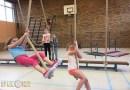Enthousiaste kinderen tijdens sportinstuif