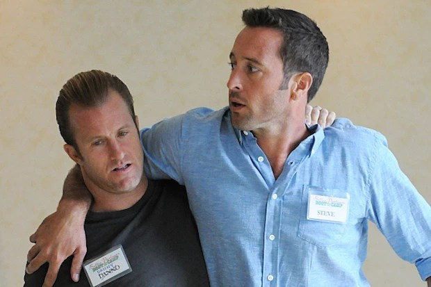 """""""Kuleana"""" -- While McGarrett and Danny attend a couples retreat in Maui to work on their partnership issues, Kamekona's dangerous past comes back to haunt him, on HAWAII FIVE-0, Friday, Jan. 8 (9:00-10:00 PM, ET/PT), on the CBS Television Network.  (*""""Kuleana"""" is Hawaiian for """"One's Personal Sense of Responsibility"""") From left, Danny """"Danno"""" Williams (Scott Caan) and Steve McGarrett (Alex O'Loughlin), shown. Photo: Norman Shapiro/CBS  ©2015 CBS Broadcasting, Inc. All Rights Reserved"""