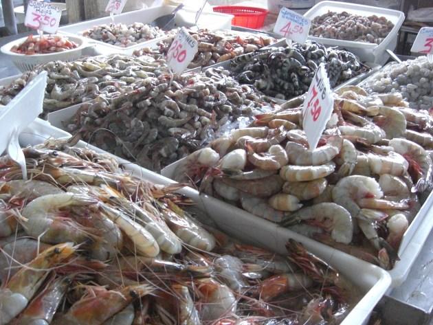 3-fish market prawns