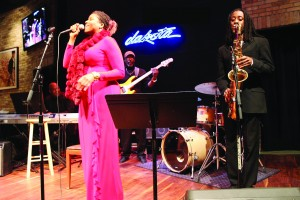 Wenso Ashby performs with Zsamé Morgan