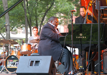 Cyrus Chestnut Trio Photo by: Jamal Denman