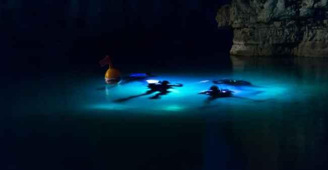 Scuba-Diving-at-Night