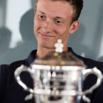 16.7.2019 Praha sport tenis Wimbledon Jiří Lehečka vyhrál ve Wimbledonu juniorskou čtyřhru, pózují s poháry PHOTO BY CPA