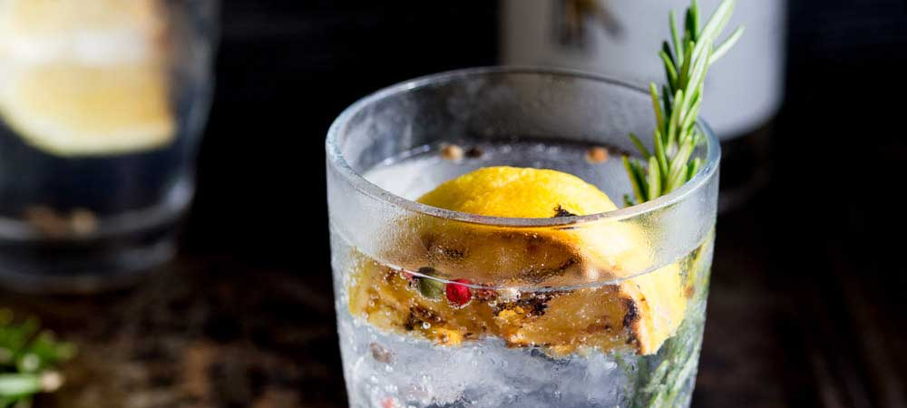 Charred Lemon, Rosemary and Coriander Gin \ Tonic Sprinkles and - prep cook
