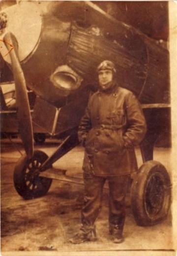Ljubiša Zečević, pilot, oficir Jgoslovenskog kraljevskog ratnog vazduhoplovstva.