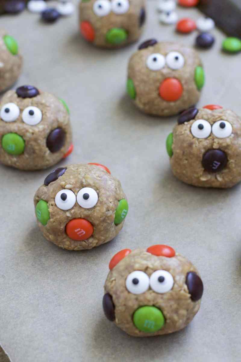 Halloween Peanut Butter Monster Bites