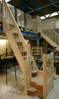 Alternating tread staircases - Space saving staircases