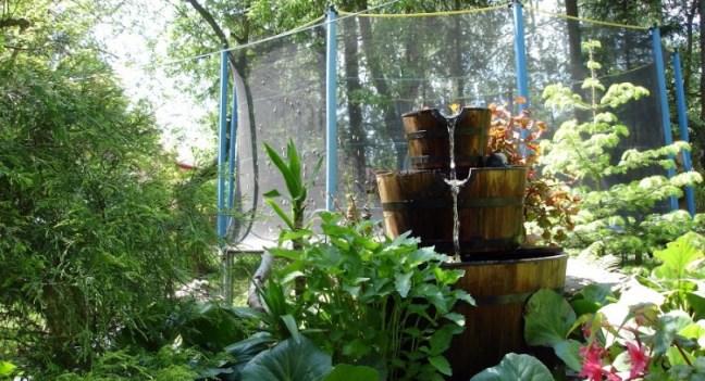staw-stajnia-w-sadzie-wypoczynek-ogród