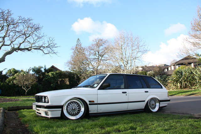 Bmw M5 Girl Wallpaper E30 Selling A E30 Touring Chassis On Ebay Bimmerfest